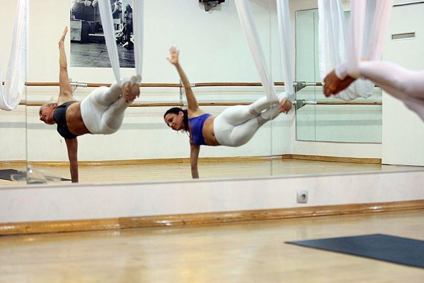 aerial hammock - fly yoga